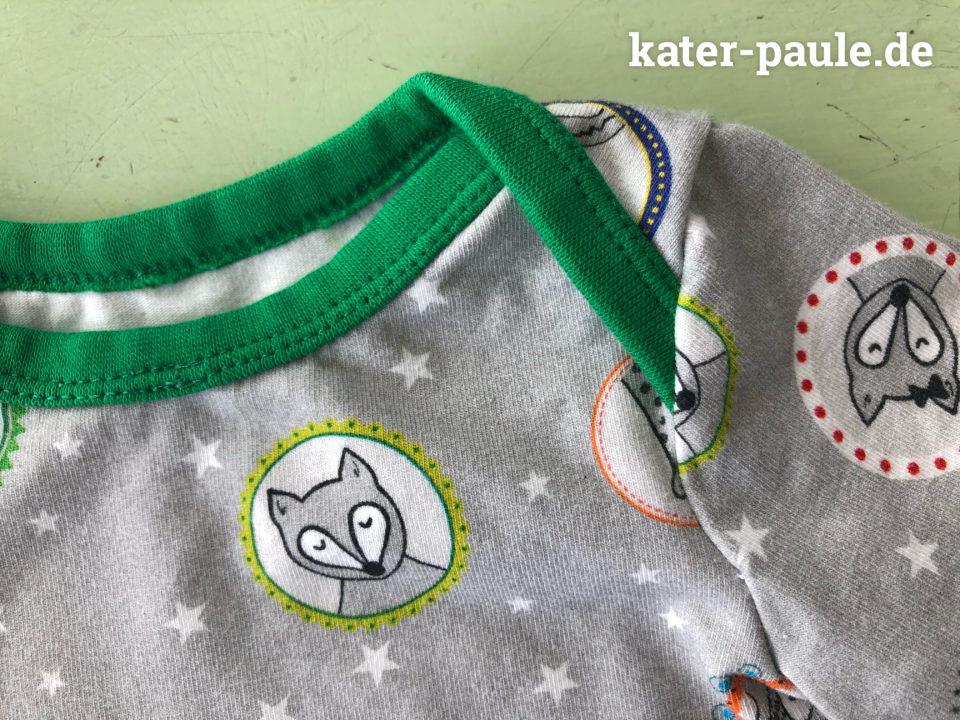 Detail Schlupfshirt Babyshirt Longsleeve nach Klimperklein aus Jersey von Bilderbuch-Stoff und Nils' Planet